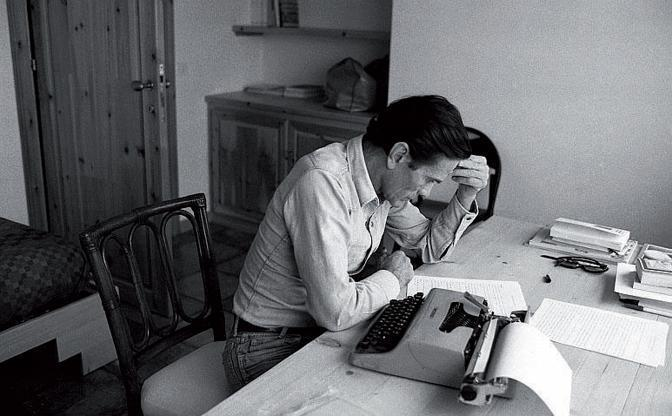 pier-paolo-pasolini desk
